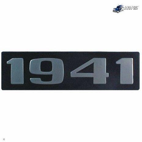 EMBLEMA PLASTICO C/ RELEVO MB 1941