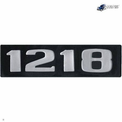 EMBLEMA PLASTICO C/RELEVO MB 1218